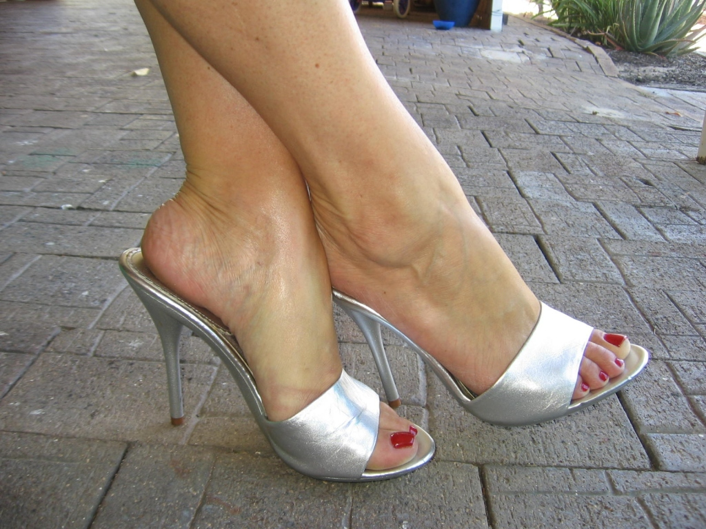 "beautiful feet photo 08 в""– 10850"